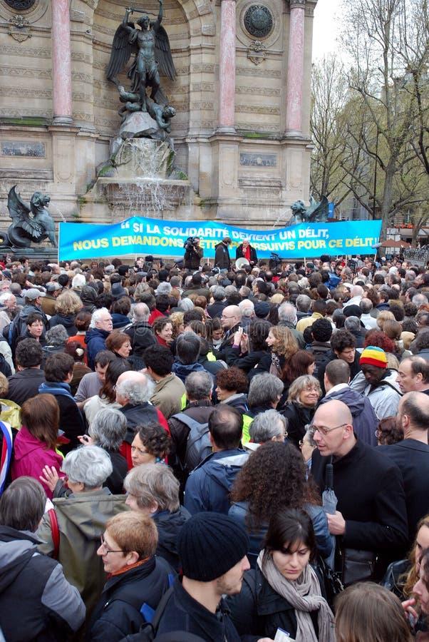 Protestations contre des lois immigrées françaises photos libres de droits