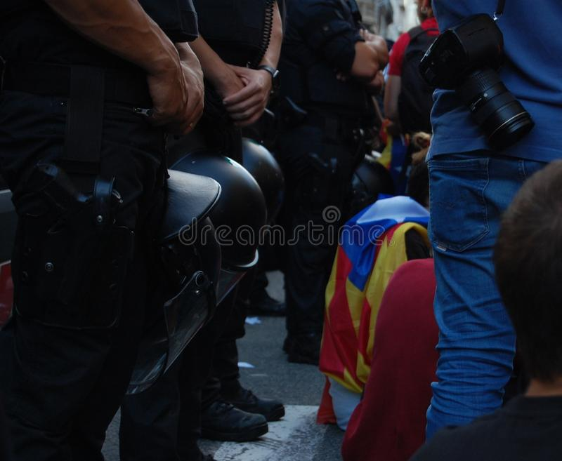 Proteste per Indipendence catalano Referendum della Catalogna: la gente che prostesting nelle vie di Barcellona Ottobre 2017 fotografia stock
