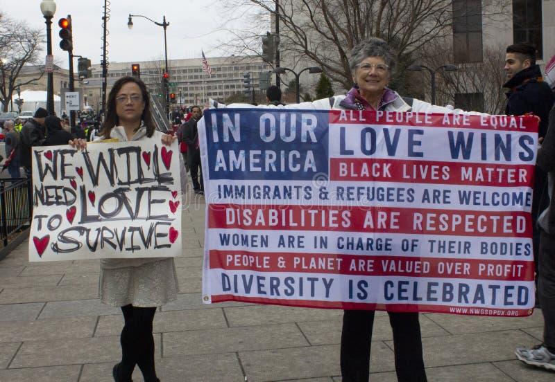 Protesteerders buiten de Inauguratie 2017 van Donald Trump ` s royalty-vrije stock fotografie