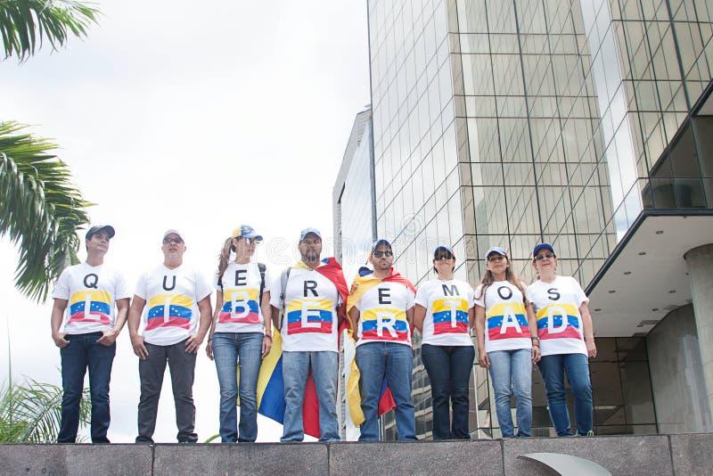 Protesteerders in Caracas tegen Venezolaanse goverments stock fotografie