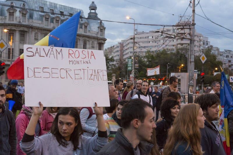 Protesten tegen cyanide gouden extractie in Rosia Montana stock fotografie