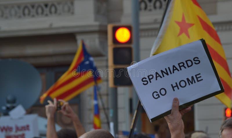 Protesten voor Catalaanse Indipendence Het Referendum van Catalonië: mensen die in de straten van Barcelona prostesting Oktober 2 royalty-vrije stock foto
