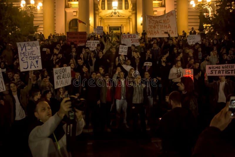 Protestera mot val av första Aleksandar Vucic som presidenten, Belgrade royaltyfri bild