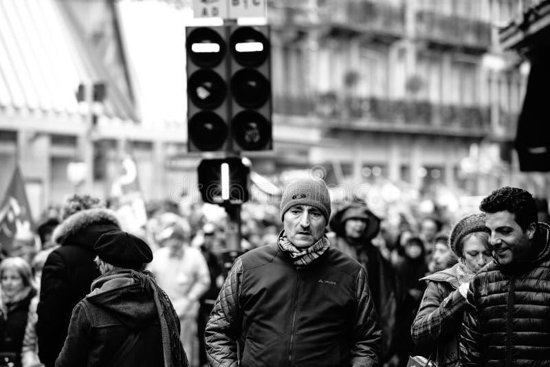 Protestieren Sie gegen französische Regierungsschnur Macron des Reformschwarzen lizenzfreie stockfotografie