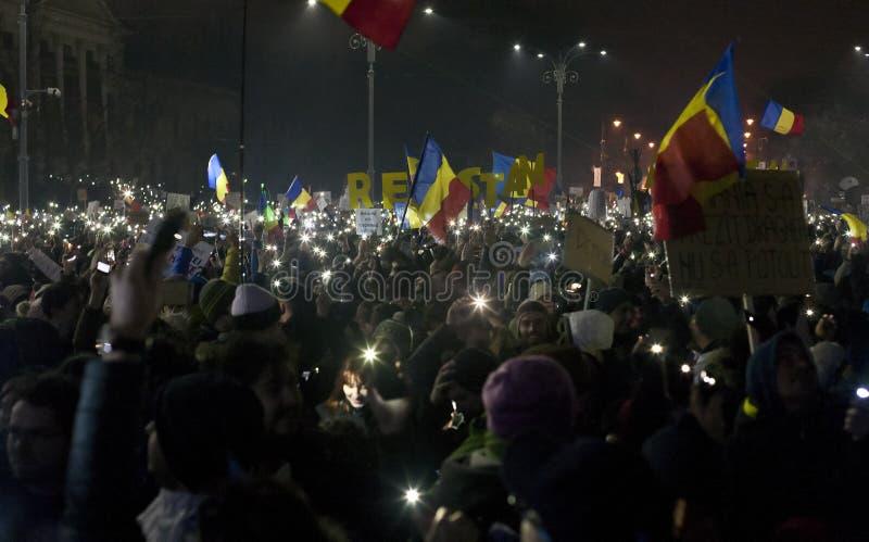 Protesto contra reformas da corrupção em Bucareste fotografia de stock