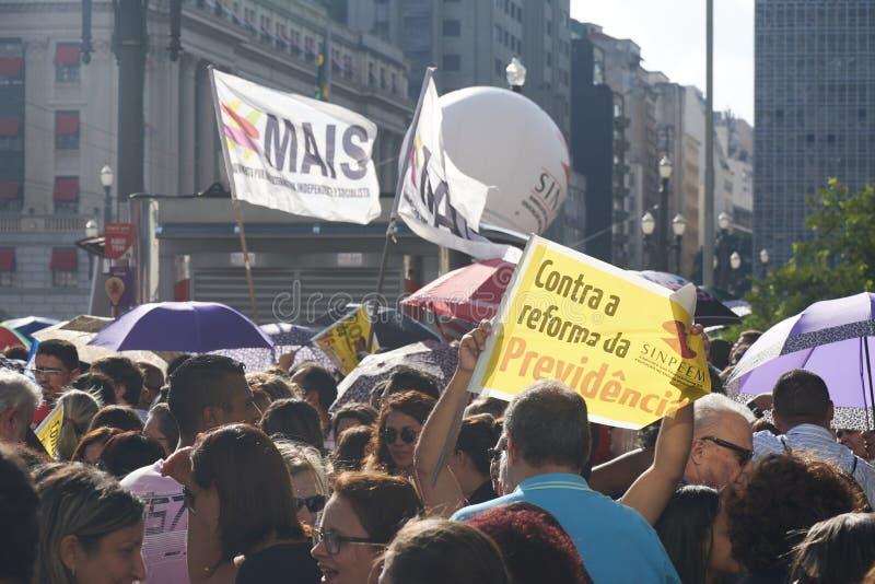 Protesto dos professores contra a reforma da segurança social Sao Paulo, Brasil imagem de stock