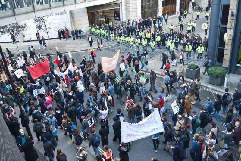 Protesto e março do estudante de encontro aos aumentos da taxa. imagem de stock
