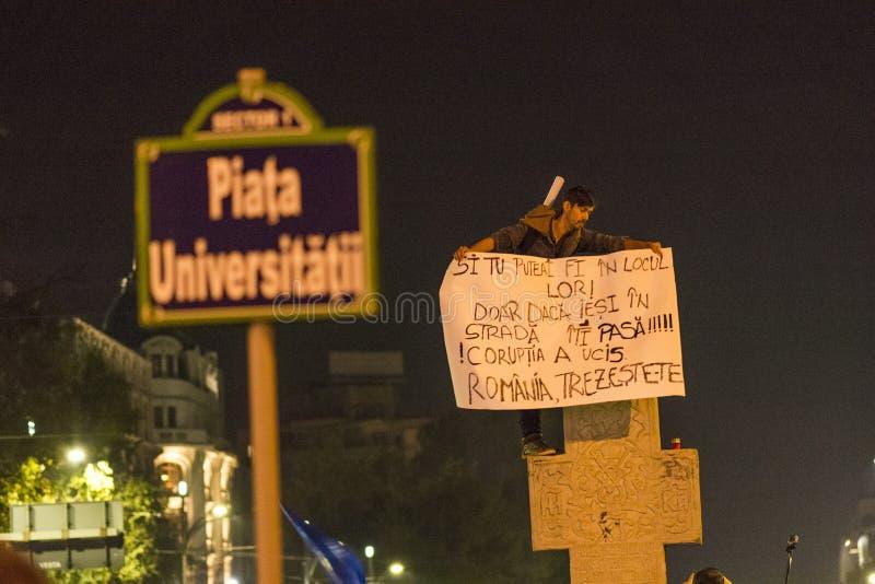 Protestos anticorrupção maciços em Bucareste imagem de stock royalty free