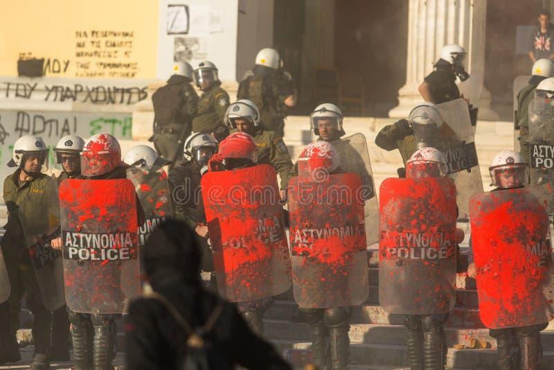Protestos do anarquista em Atenas, Grécia imagens de stock