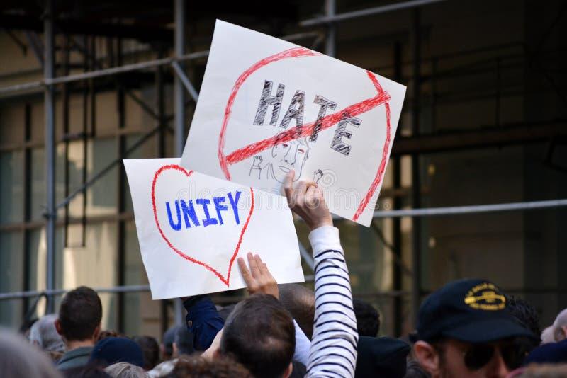 Protestos do trunfo imagens de stock