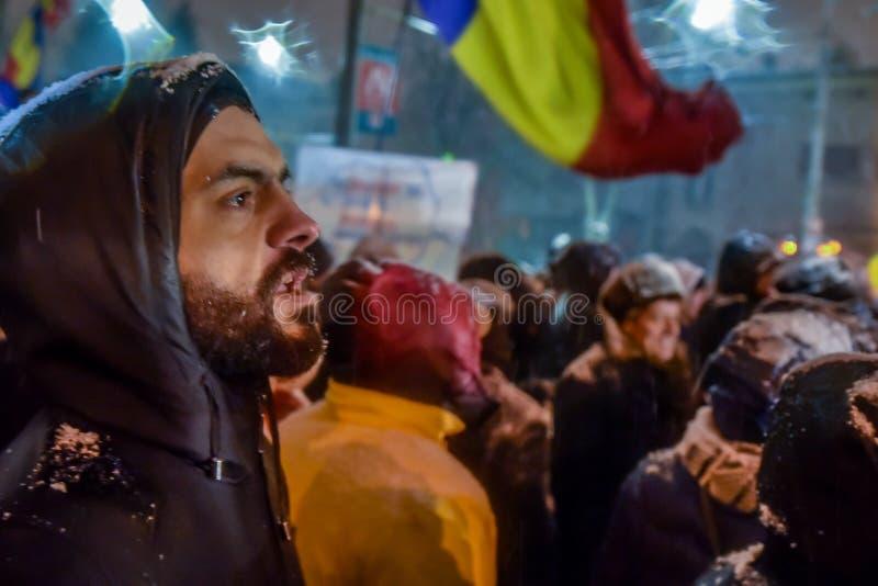 Protestos na frente do palácio de Cotroceni, Bucareste, Romênia fotografia de stock