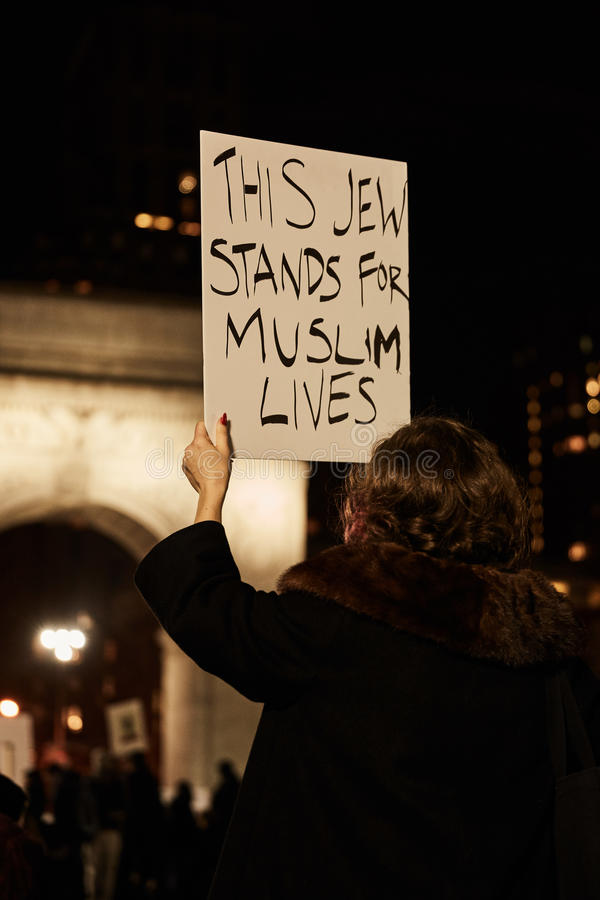 Protestujący Atutowy ` s Muzułmański Imigracyjny zakaz zdjęcia stock