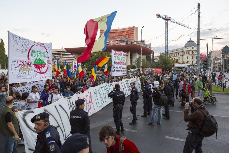 Protesty przeciw cyjanek złocistej ekstrakci przy Rosia Montana obrazy royalty free