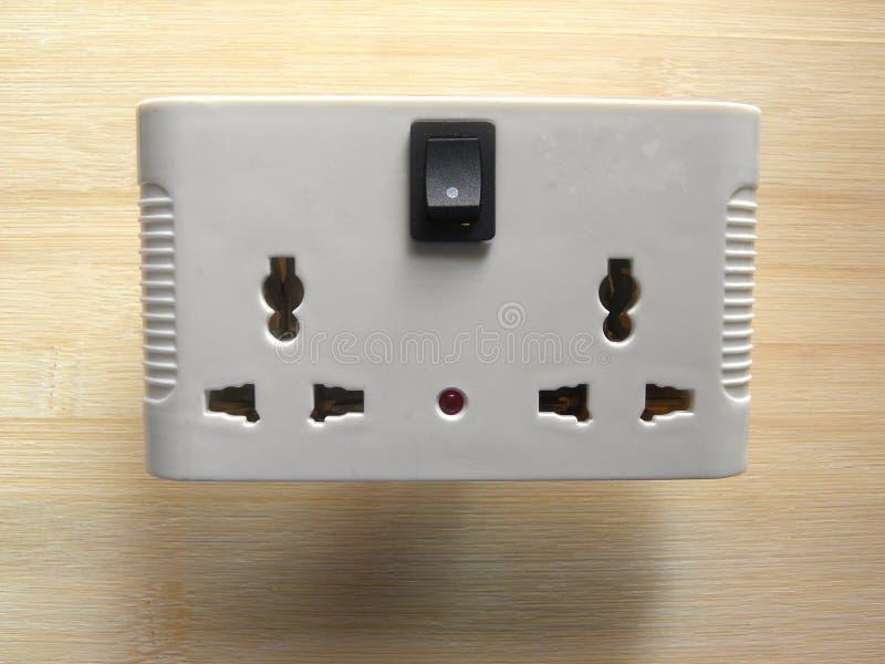 Protetor de impulso sem fio com soquetes imagens de stock