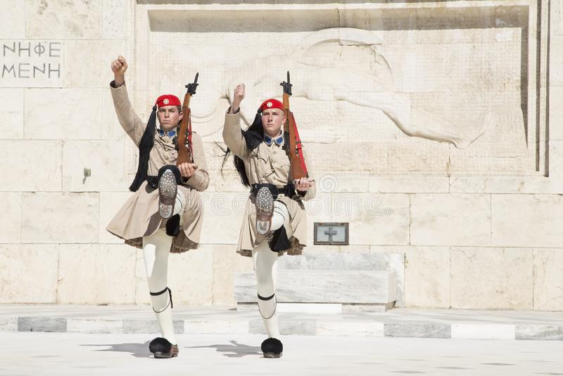 Protetor na frente do parlamento grego, o 17 de maio 2014 atenas fotografia de stock royalty free