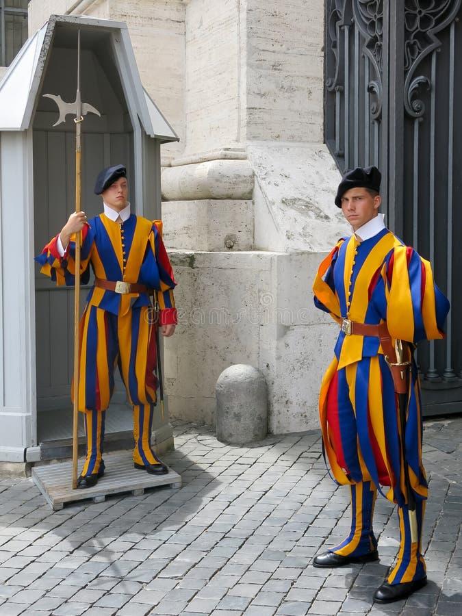 Protetores suíços em Cidade Estado do Vaticano, Roma, Itália imagens de stock