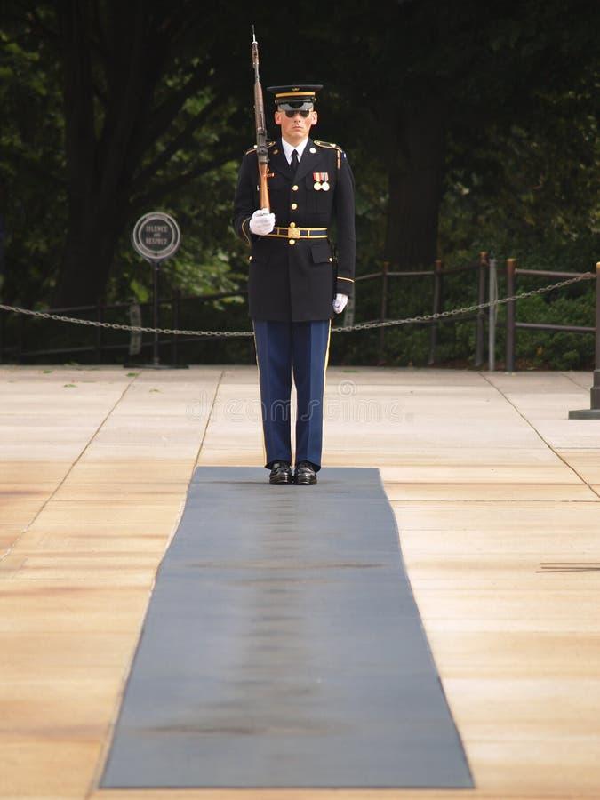 Protezione di onore al cimitero di Arlington fotografia stock
