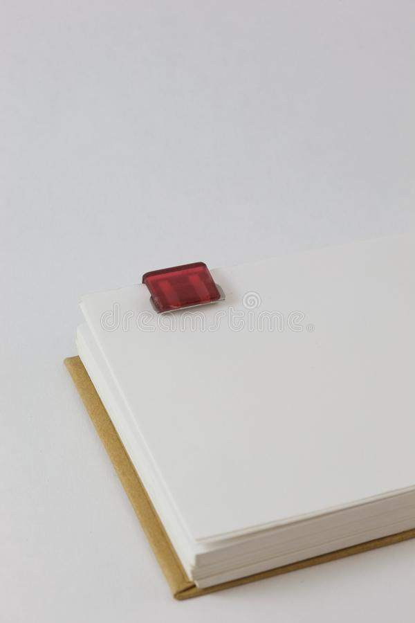 Protokoll mit Papierklammer lizenzfreies stockfoto