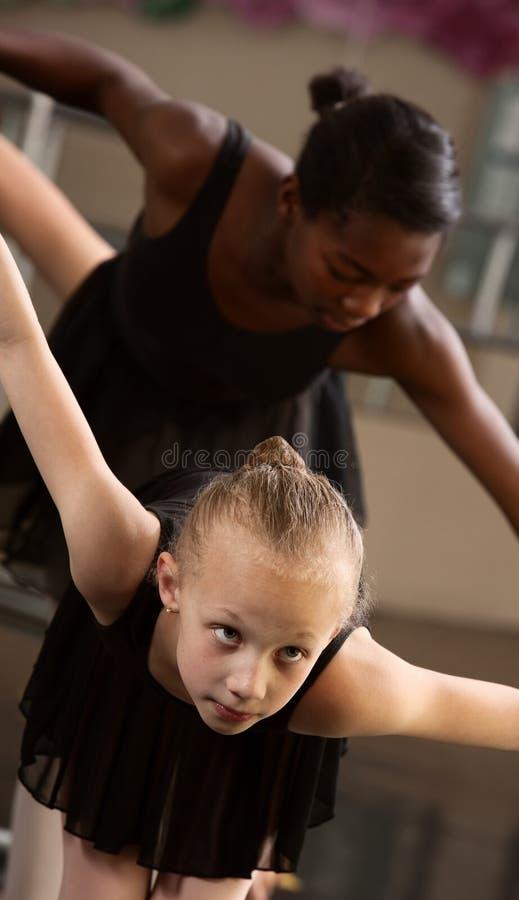 Proue de deux étudiants de ballet images libres de droits