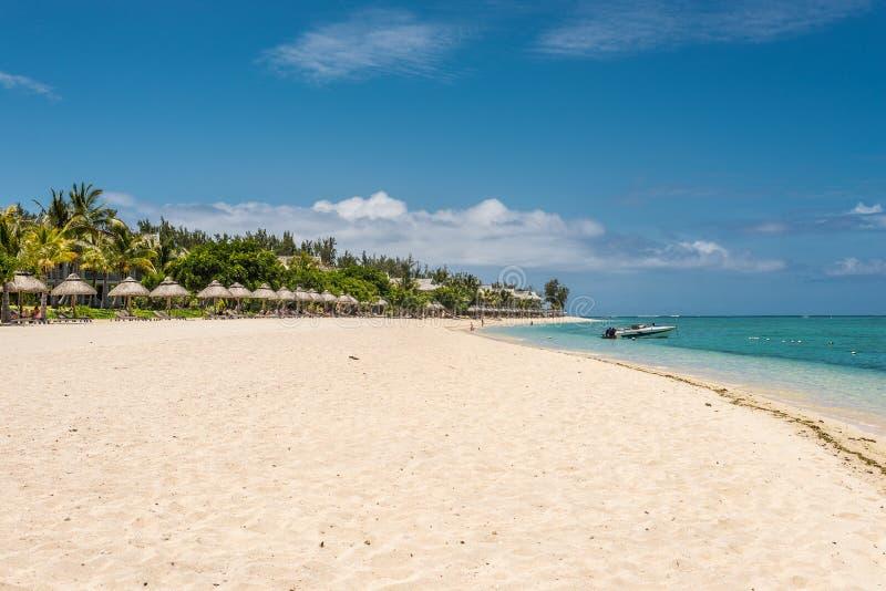 Província preta de Maurícias, rio, praia em Le Morne foto de stock