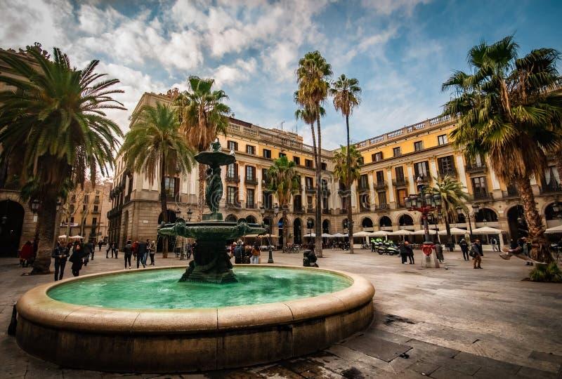 Provavelmente meu quadrado favorito no todo de Barcelona fotos de stock royalty free