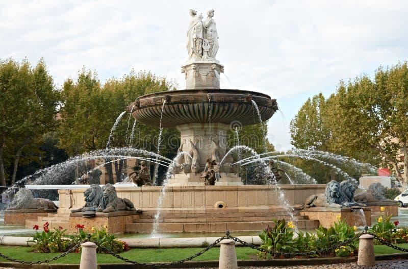 provence för la för aixen-springbrunn rotonde royaltyfri foto