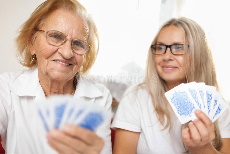 Providing opiekę dla starszych osob fotografia royalty free