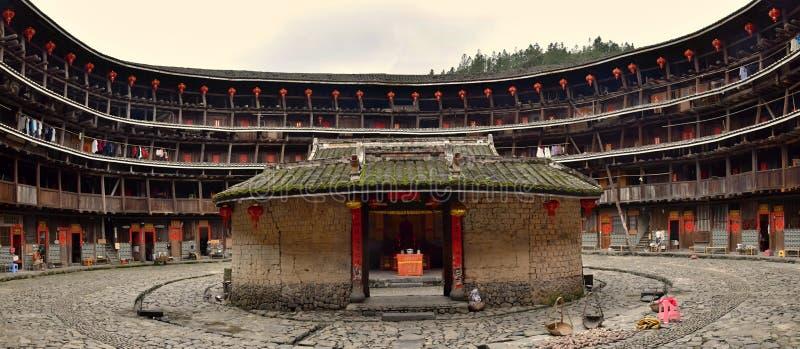 """PROVINCIA de FUJIAN, †de CHINA """"CIRCA mayo de 2016: El tulou de Fujian, la vivienda rural china única a la minoría del Hakka en fotos de archivo libres de regalías"""