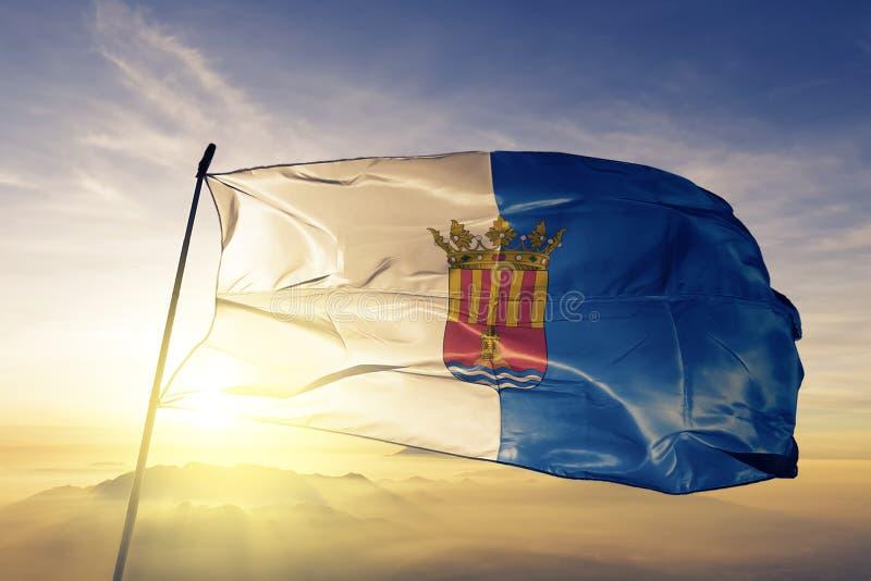 Provincia di Alicante del tessuto del panno del tessuto della bandiera della Spagna che ondeggia sulla cima royalty illustrazione gratis