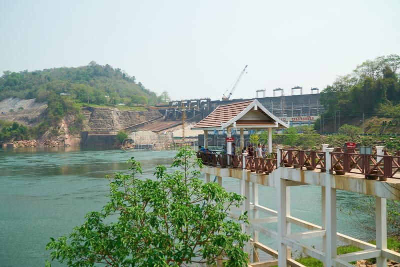 Provincia di Vientiane, Laos - 8 aprile 2019: Nam Ngum Hydropower Dam, la prima più grande idropotenza genera l'elettricità nel fotografia stock libera da diritti