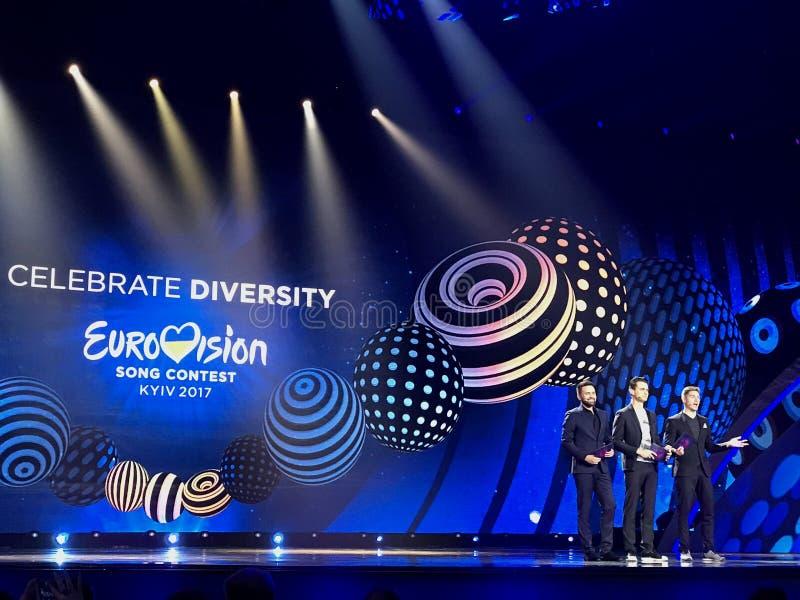 Prowadzący Eurovision-2017 - Vladimir Ostapchuk, Aleksander Skichko zdjęcie stock