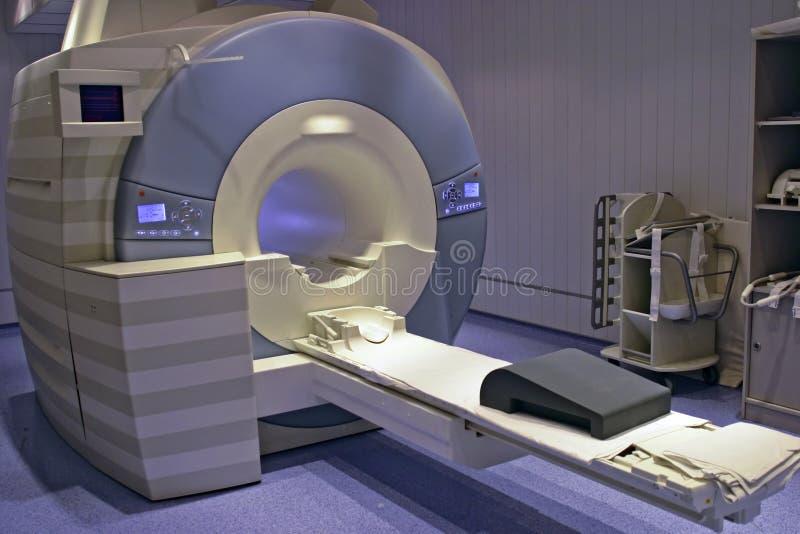 Proyección de imagen de resonancia magnética imágenes de archivo libres de regalías