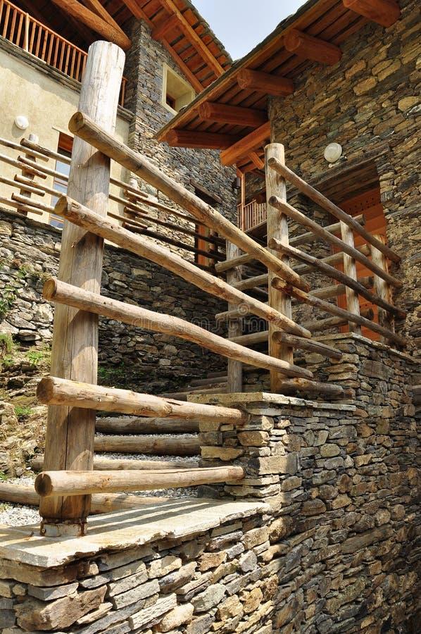 Proyecto de la restauración de la arquitectura de la montaña foto de archivo