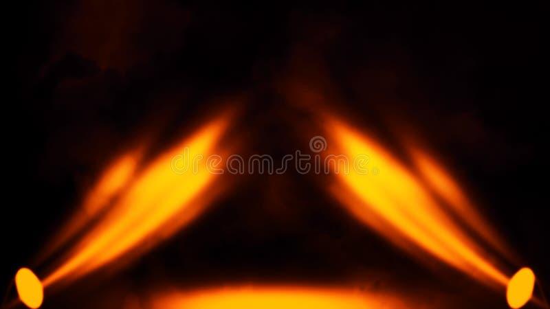 Proyector del fuego con las capas de la textura del humo en fondo islotaed Movimiento propio brumoso Elemento del dise?o fotografía de archivo