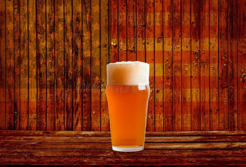 Prueba de la cerveza imagen de archivo libre de regalías