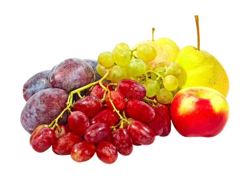 Prugne, uva, mele e pera mature. Isolato. immagine stock