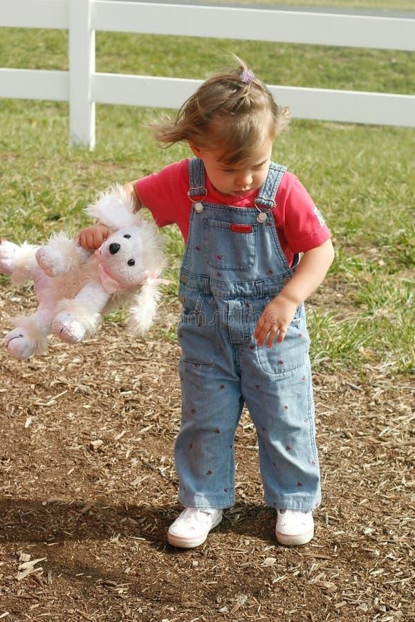 Pruilend Kind met Gevuld Dier ter beschikking stock afbeelding