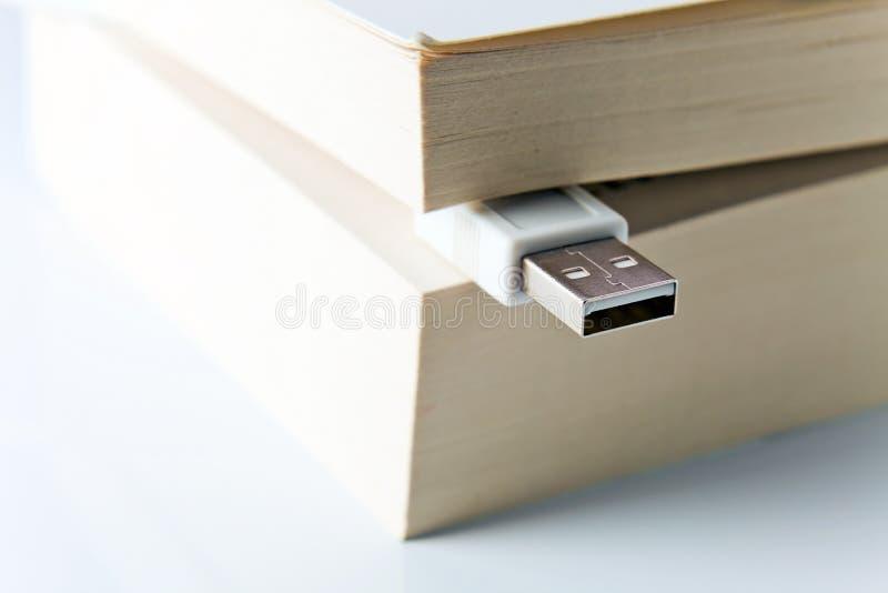 prymki książkowy usb fotografia stock