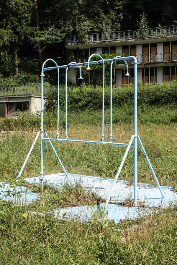 Prysznic zaniechany jawny basen zdjęcie royalty free