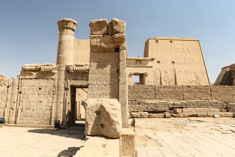 Przód Edfu świątynia w Edfu, Egipt zdjęcie stock