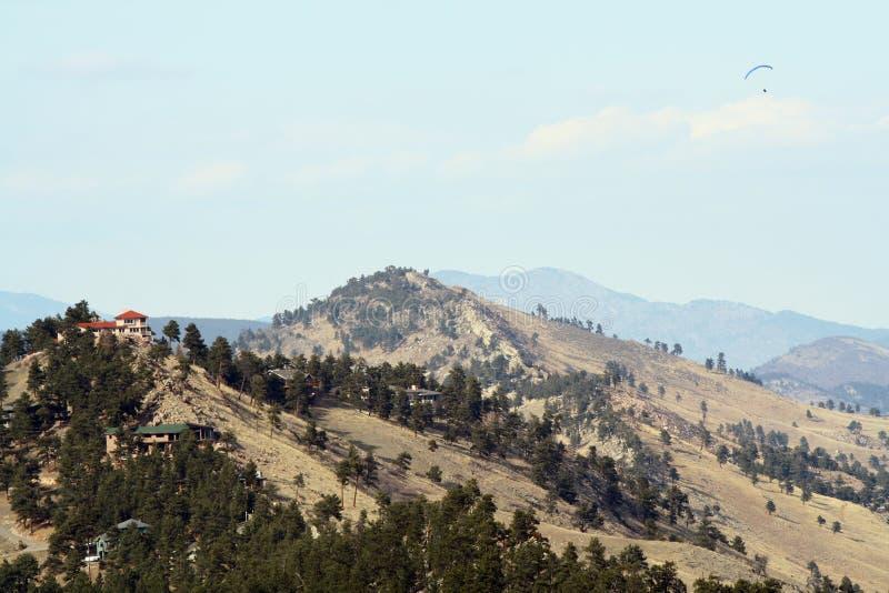 Download Przód Nad Paragliding Pasmem Obraz Stock - Obraz złożonej z antena, góra: 13337085