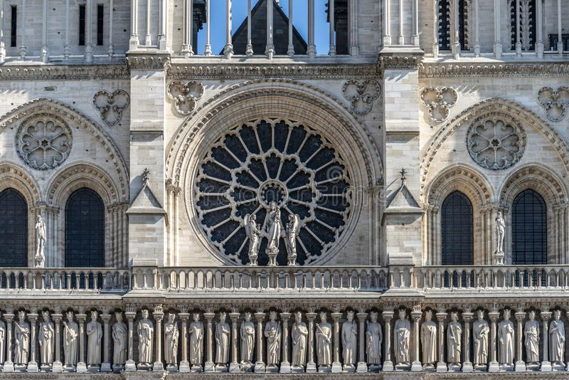Przód Notre Damae z różanym okno obrazy stock