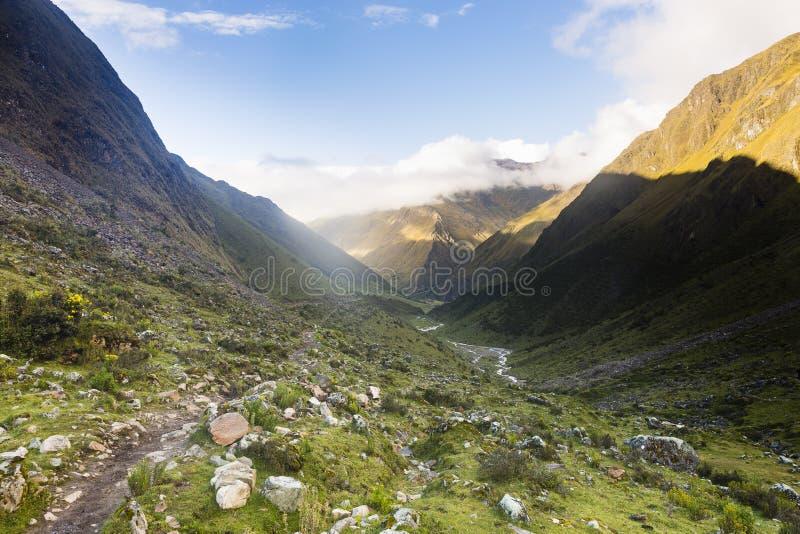 Przełęcz na Salkantay śladzie zdjęcie stock