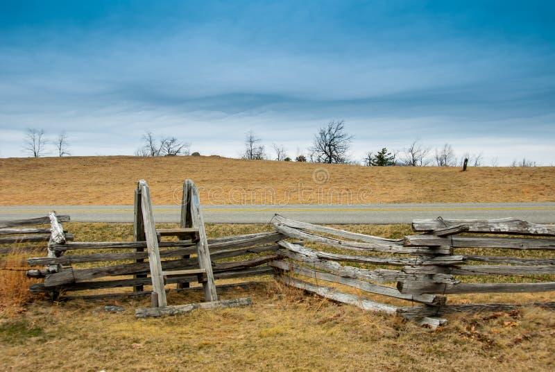 Przełaz nad ogrodzeniem wzdłuż Błękitnego grani Parkway dng fotografia royalty free