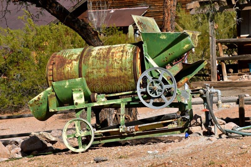 Przeżyty przenośny cementowy melanżer zdjęcie royalty free