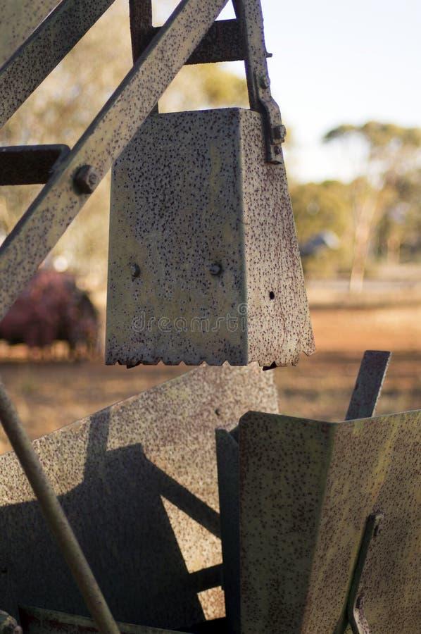 Przeżyty rolny wyposażenie w społeczność parku obrazy stock