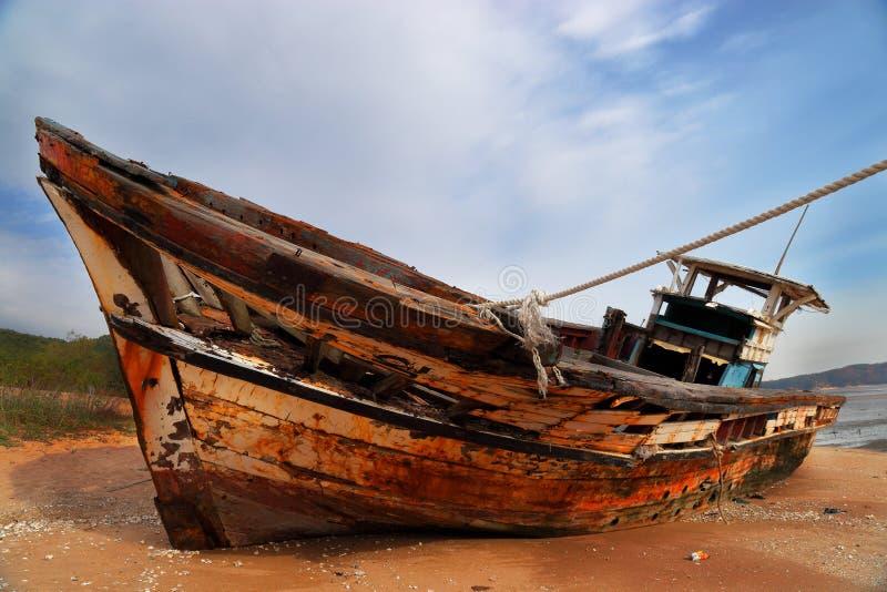 Przechodzić na emeryturę łódź rybacka zdjęcia stock