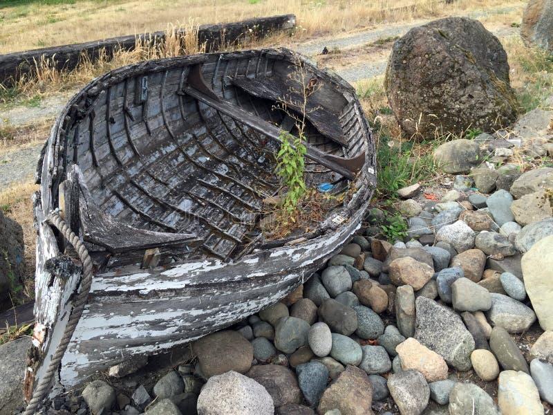 Przechodzić na emeryturę drewniana łódź, Crofton, BC zdjęcia stock