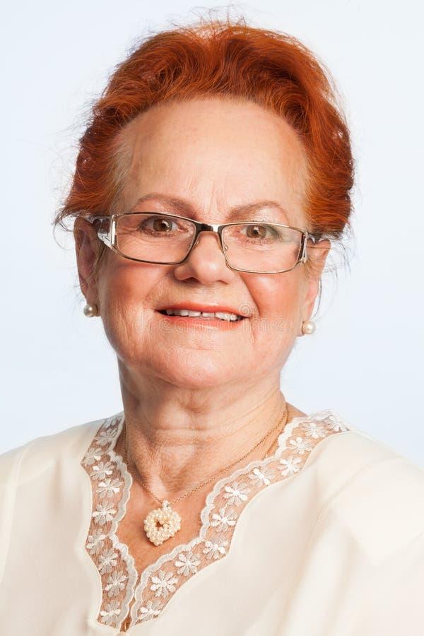 Przechodzić na emeryturę kobieta wyraża positivity zdjęcia royalty free