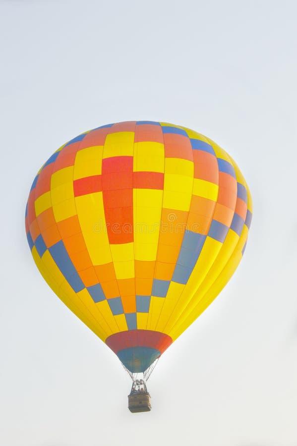Przecinający gorące powietrze balon zdjęcia stock